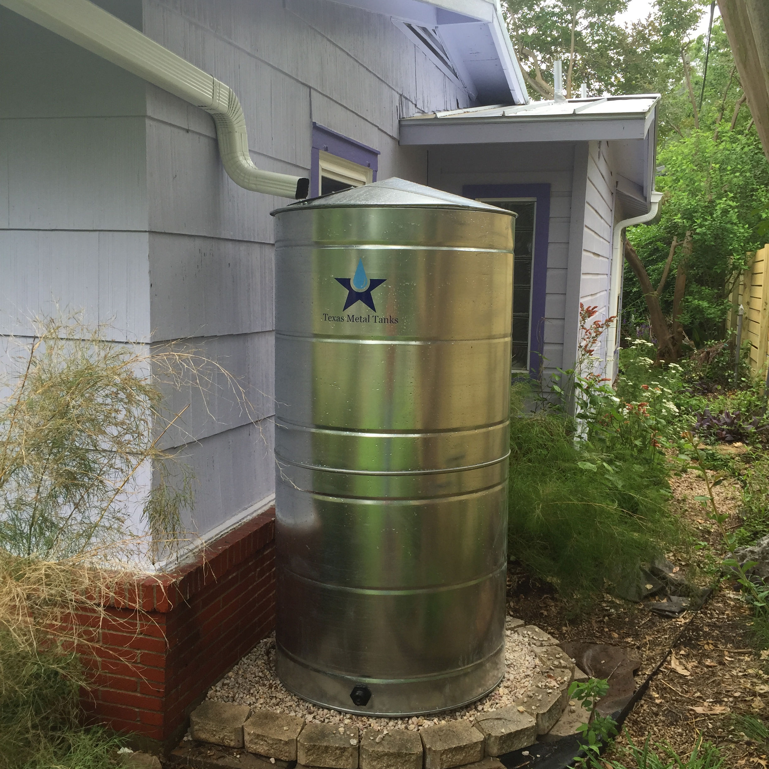 Galvanized Steel Water Storage Cistern Tank - 300 Gallon