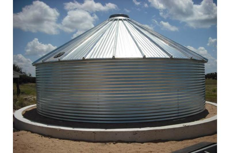 Pinnacle 30 Degree Roof Water Tank - 18800 Gallon