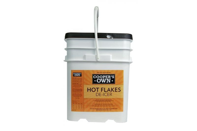 Hot Flakes De-Icer (30 lb. Pail)